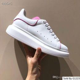 Mens Frauen Entwerfer Schuh Luxusdia Sommer Art und Weiseweite flache glatte Sandelholz Pantoffel Flipflopgröße 35 46 xsd190505