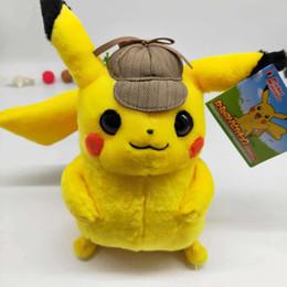 Brinquedos de pelúcia de alta qualidade on-line-Detetive Pikachu Brinquedo De Pelúcia de Alta Qualidade Bonito Anime Plush Toys Toy Presente das Crianças Dos Miúdos Dos Desenhos Animados Peluche Pikachu Boneca De Pelúcia