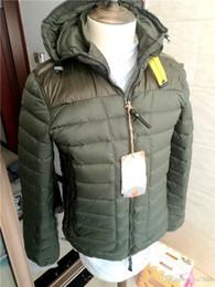 2020 chaquetas de moda hombres ee. 2019 Ugo Light Parkas Usa Brand Pjs Men S Down Jacket Fashion Warm 1809 Alvin Jacket Four Colors Men S Designer Lightweight Down Jacket chaquetas de moda hombres ee. baratos