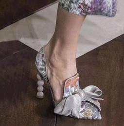 Cajas de satén de seda online-Nuevo Pearl Heel Satin Silk Bow tie Zapatos de tacón alto Mujer Bordado Primavera Verano Sandalias con caja Más Tamaño 42