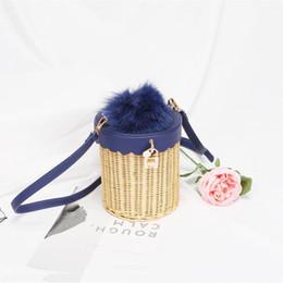 La main des femmes tissé sacs de rotin Vintage Messenger Bag corde de cuir avec stockage de décoration de fourrure Casual sac à main à la mode sac ? partir de fabricateur