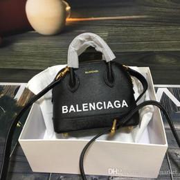 2019 saco de cosméticos de ouro pequeno Novo Famoso Designer de luxo bolsas de alta qualidade Das Mulheres Ombro bolsa de ombro Tote Couro Embreagem Mini Senhoras carteira Com Sacos de Poeira
