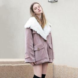 2019 giacca sveglia della ragazza sveglia 2019 Semplice sciolto dolce ragazza Carino retrò grande tasca imitazione lana di agnello cappotto di cotone Giacche donna cappotti invernali gira-giù il collare giacca sveglia della ragazza sveglia economici
