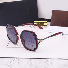 Nuovi piccoli modelli online-Occhiali da sole -2019 new lady little bee line occhiali da sole polarizzati alla moda modello 441 cinque colori tra cui scegliere