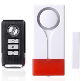 Sensori magnetici di allarme domestico online-Remote luce di controllo del suono magnetico senza fili di sicurezza domestica della finestra del portello del sensore antifurto forte 108 dB