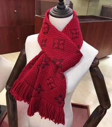 Diseños de prendas de vestir online-Diseñador de ropa de moda de invierno de lujo bufanda Colorfulner bufanda hombres mujeres carta patrón de diseño de cachemira Scarve