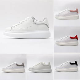 sapatas de vestido da lona dos homens Desconto Alexander Mcqueens Designers Luxo Vermelho Preto Branco Plataforma Clássico Sapatos Casuais Sapatos de Couro Ocasional Vestido de Lona Mens Das Mulheres Tênis Esportivos 36-44