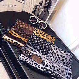 Cachecóis de impressão em cadeia on-line-2019 primavera nova lenço de seda para as mulheres venda quente leopardo cadeia impresso longo cachecóis tamanho 180x90 cm xales para presente das mulheres