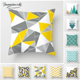 Funda de cojín geométrico verde amarillo Fuwatacchi Almohadas decorativas Wave Mountain Arrows para la silla del hogar Funda de almohada para sofá 45 * 45 cm desde fabricantes