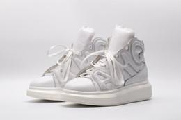 Breite stil schuhe online-1Die beliebtesten Stil 2019 Breite Turnschuhe weiße Schuhe Männer und Frauen High-Top-Sportschuhe Größe