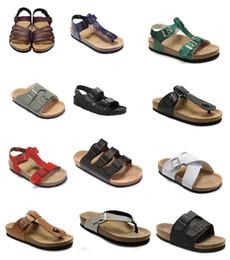 sandálias de cortiça Desconto Venda quente verão Homens Mulheres apartamentos sandálias de Praia de Cortiça chinelos sandálias unisex sapatos casuais imprimir cores misturadas Moda Flats 36-45