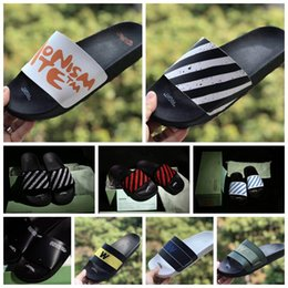 Lasciare le scarpe online-2019 Designer Shoes LEFT RIGHT Asciugamano OFF OG blu banda rossa Summer Beach Pantofole piatte Infradito sandalo nero bianco con scatola