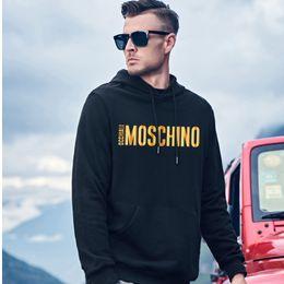 2020 sudadera italiana Más cadenas de lujo italiano 5XLlos hombres con capucha de MoschinoDiseñado con encanto artístico y camisetas de la manera negro barato rebajas sudadera italiana