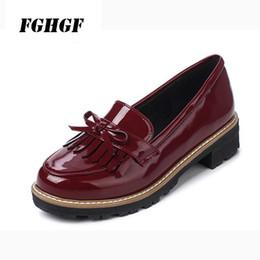 Scarpe da scuola blu online-Nuove scarpe con frange in stile primaverile da donna con scarpe casual stile joker blu nero rosso taglia grande 34-43