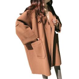 2019 guarnição da pele de capa preta Agradável Inverno Solto De Lã De Grandes Dimensões Casaco Mulheres Breve Preto Cape Jacket Cardigan Feminino Coreano Bolso Grande Senhoras Longas Casacos de Camelo