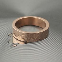 Минималистская ювелирная мода онлайн-Ювелирные изделия Оптовая шаблон плед мода популярные минималистский кольцо женщина и мужчина кольцо любовь подарок GG