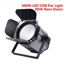 2019 luz de escenario de alta potencia láser 300W COB LED luz de la igualdad con las puertas de granero de aluminio llevó la luz estroboscópica de luz LED de iluminación de la etapa de calentamiento DJ White RGBWA + UV 6in1 200W COB Par