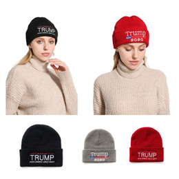 Fazer gorro on-line-Trump Hats 8 Styles Letter Embroidery Donald Trump 2020 Beanies Winter Hat Casual Letter Make America Great Again Skullies Cap LJJO7145