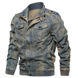 Ковбойская куртка онлайн-Spring Autumn Streetwear Mens Denim Jacket Trendy Fashion Ripped Bomber Jackets Mens Jeans Jacket Outwear Male Cowboy Coats 6XL