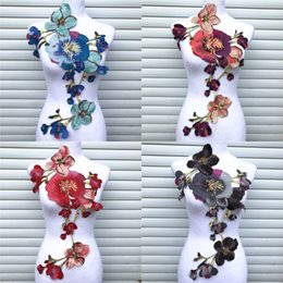 Kleid handwerk stoffe online-1PC große Blumen-Spitze stickte Ausschnitt Kragen Trim Kleidung Stoff Sewing Supplies Craft Brautkleid Applikationen