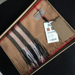 Cachecóis de cashmere designer de luxo qualidade 100% lenços de cashmere para homens e mulheres com rótulos originais mostrando imagens autênticas de lenços de Fornecedores de tecido de blusa de seda