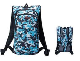 Sacchi d'acqua 12L camo verde blu zaini da ciclismo outdoor escursioni in bicicletta campeggio sacchi di nylon borse sportive supplier camo camping backpacks da zaini da campeggio di camo fornitori