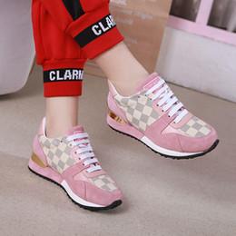 Zapatillas de deporte de alta calidad con cordones transpirables con cordones Zapatos de mujer Pisos Canasta Mujer Tenis Femininos Run Away Sneaker W # 42 Zapatos de mujer Caliente desde fabricantes