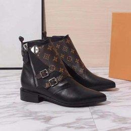 2019 насосы плоские женские Новейшие женские кожаные ботинки, классические кроссовки на щиколотке Lady Повседневная обувь из туфель на высоком каблуке Clafskin с размером коробки 35-42. дешево насосы плоские женские
