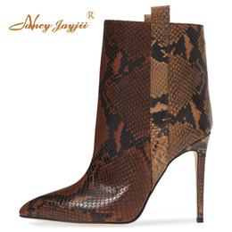 Kaufen Sie im Großhandel Frauen Schuhe Stiefel Kleine Größe