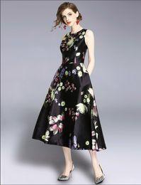 2019 femmes nouvelle mode fleur mince robes filles casual été élégante robes européennes conception dîner robe sans manches # A230 ? partir de fabricateur