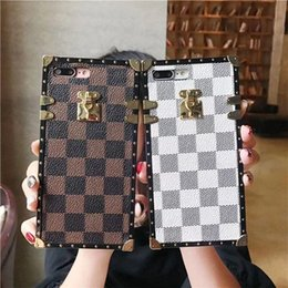 2019 iphone quadrate Berühmte modemarke chic pc platz designer phone cases rückseitige abdeckung für iphone 6 s 7 8 plus case für iphone X XS Max XR rabatt iphone quadrate