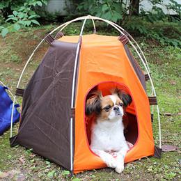 Equipamentos de jogo ao ar livre on-line-À prova d 'água Portátil Dobrável Pet Tent Cães Gatos Cama House Play Fun Indoor Outdoor Camping Tent Equipment Camping Barraca