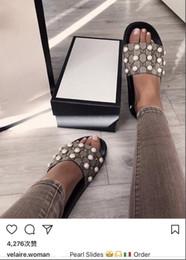 2019 malla de encaje hasta zapato de playa Sandalias de diseño de perlas de las mujeres de los hombres sandalias del diseñador Marca de moda Sandalias de rayas causales huaraches zapatillas chanclas chanclas 35-45