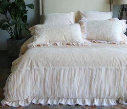 Weiße spitzenbettwäsche-sets online-Spitze Baumwolle Prinzessin Bettwäsche Set Jacquard Luxus Hochzeit Bettbezug Set Bett Rock Kissenbezug Weiß Champagner