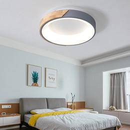 Argentina 2019 NUEVAS luces de techo LED de 220V con pantalla de metal para sala de estar Lámpara de techo moderna Habitaciones de madera Lustres Lámparas colgantes Suministro