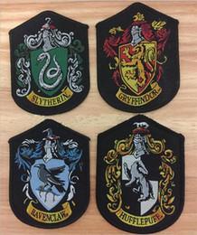 harry potter gryffindor flecken Rabatt COSPLAY Harry Potter shcool patches zum Aufnähen Gryffindor Slytherin Ravenclaw Hufflepuff patches für die Manteljacke c539