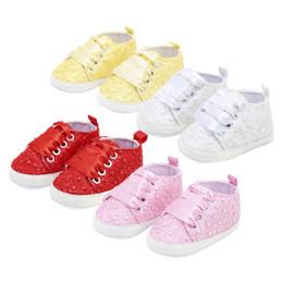 Canada 2018 Nouveau-né Dentelle Chaussures De Broderie Bébé Filles Premiers Marcheurs Enfant Enfant Fleur Fleur Bébé Fille Semelle Souple Chaussures cheap flower embroidery for girls Offre