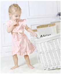 Schmetterlingsnabel online-2019 Baby Mädchen Outfits Schmetterling Nabel fliegen Ärmel Plaid Tops + unregelmäßigen Rock 2 Stücke Kleidung Sets Neugeborenen Anzüge Trainingsanzug Kinder Kleidung