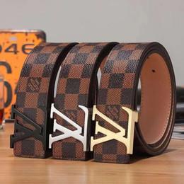 cinturón internacional Rebajas Cinturón de hombre Cinturones de hebilla de lujo lisos Hebillas de alta calidad Marcas famosas internacionales Cinturones de cuero de cuero de vaca para hombres envío gratis