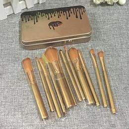 polvos cosméticos kylie Rebajas NUEVO Kylie Jenner Maquillaje 12 piezas Set Pincel de maquillaje Jenner Brush 12 piezas Set con bolsa de maquillaje cepillos para el Día de San Valentín regalos