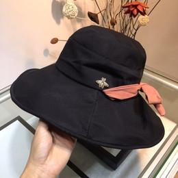 Manera de la mujer para hombre Tapas de diseño de lujo Tacaño sombrero de ala pequeñas abejas gorra de béisbol Marca Sombreros 4 Modelos opcionales de alta calidad con la caja desde fabricantes