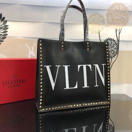 Grand sac en cuir de vachette en Ligne-Top designer dames shopping sac marque de luxe sac à main grande capacité sac à main Mode Sacs Fourre-tout Italien peau de vache 37 * 32 * 12 cm 9828