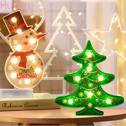 pintura do diamante Desconto Huiran Feliz Natal Diamante Pintura LED Luzes Boneco de neve Papai Noel Decorações do Natal por chaveiro acrílico Início Cristmas
