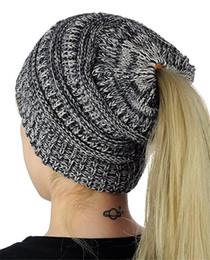 fios de confecção de malhas extravagantes Desconto Chapéu de rabo de cavalo de crochê de inverno das mulheres