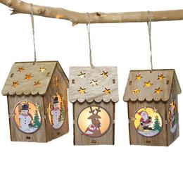 kleine hausdekoration Rabatt Kleine LED-Licht Holzhaus Weihnachtsbaum Anhänger Neujahr Dekorationen für Heim Tabelle Ornamente Weihnachtsbaum-Dekor-Hängen