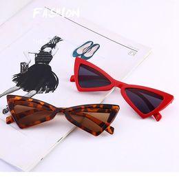 Marcos de anteojos para niños online-7 colores Gafas de sol de ojo de gato Marco de triángulo Mujeres Gafas de sol UV400 Borde de plástico Marco de caramelo Gafas baratas Bloqueador solar CCA11718 60pcs