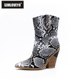 SIMLOVEYO 2020 Nouvelle Marque Femmes Bottines Bout Pointu Slip on Block Talons Moyen Bottes Cowboy Grande taille 46 Leopard Gold ? partir de fabricateur