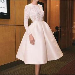 Robes longues et longues à bas prix pour femmes en Ligne-Robes de mariée blanches courtes avec manches longues bijou cou satin robes de mariée d'été pas cher femmes robes de mariée portent