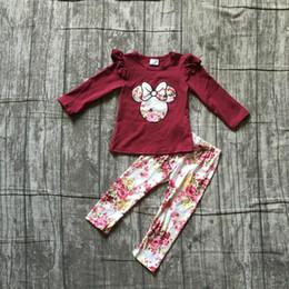 calças de oferta Desconto Oferta especial de outono / inverno do bebê meninas roupas infantis set outfits boutique de leite de seda vinho floral babados top calças de algodão