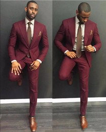 Klas Bordo Düğün Erkek Takım Elbise Slim Fit Damat Smokin Erkekler Groomsmen Suit Ucuz Örgün İş (Ceket + Pantolon) supplier mens tuxedo jacket burgundy nereden bükülmez mens smokin ceketi tedarikçiler